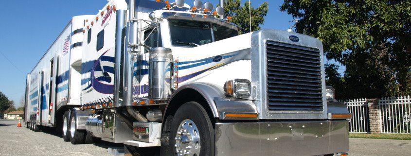 intercity lines auto transport tractor